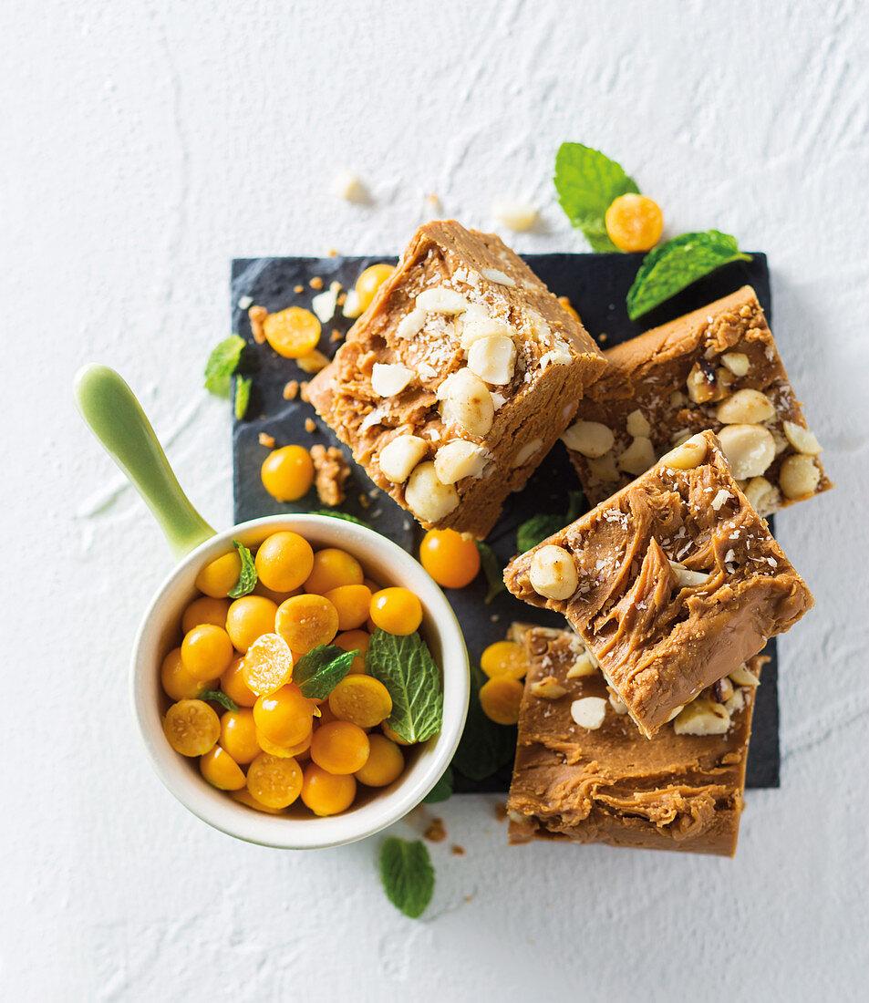 Amarula and macadamia fudge
