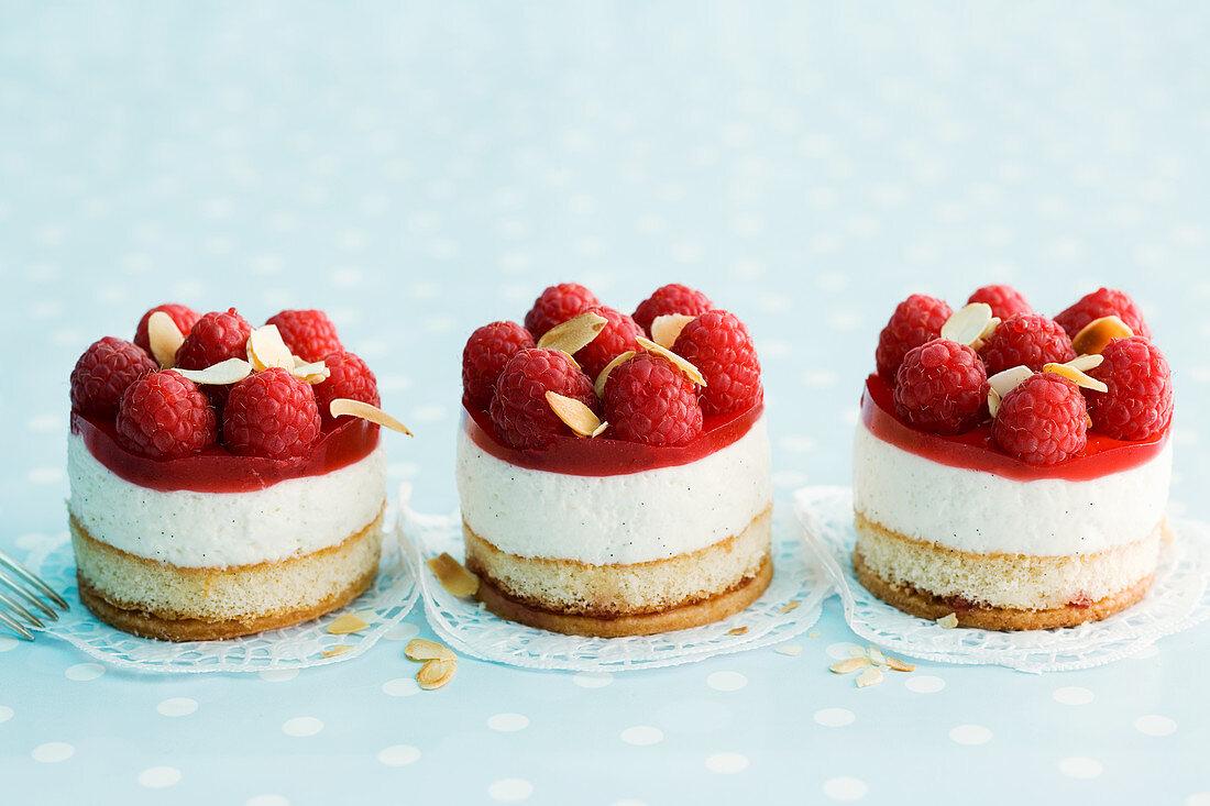 Quark cake with raspberries