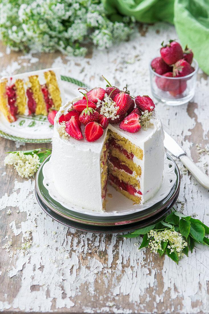 Elderflower buttercream cake with strawberries
