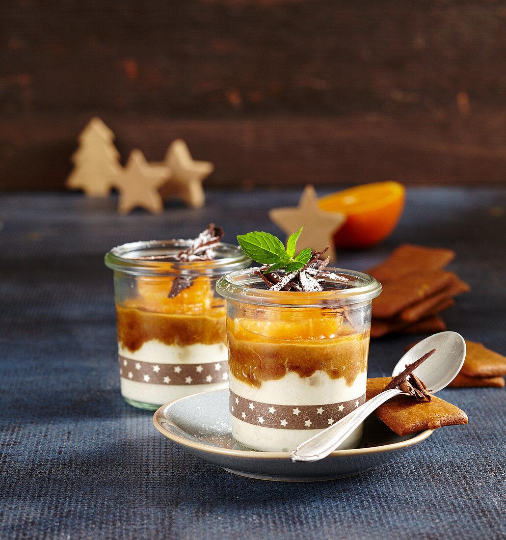 Mandarin and gingerbread cream dessert