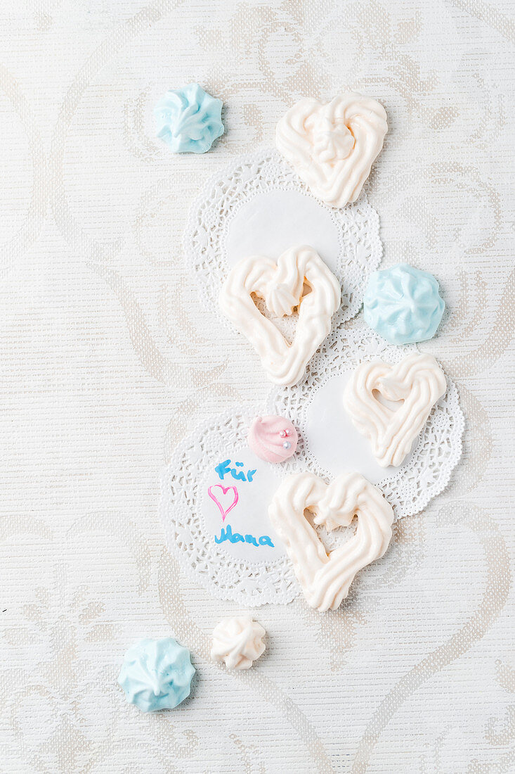 Homemade meringue hearts for Mother's Day