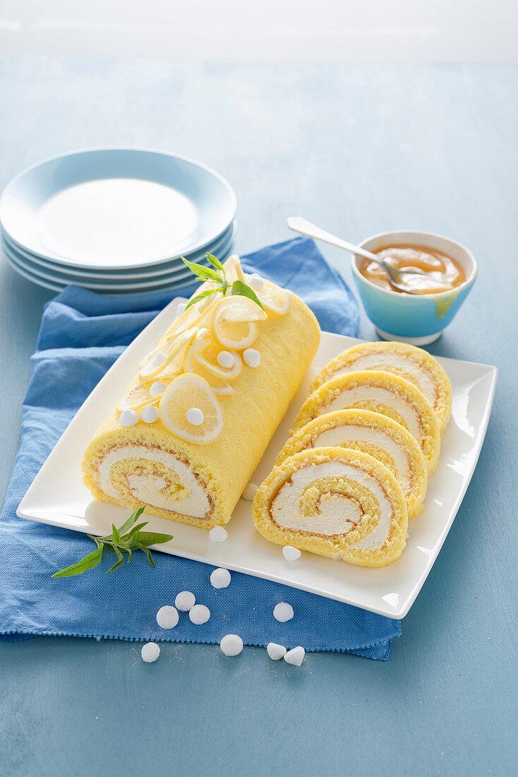 Limoncello ice cream rolls with mini meringue