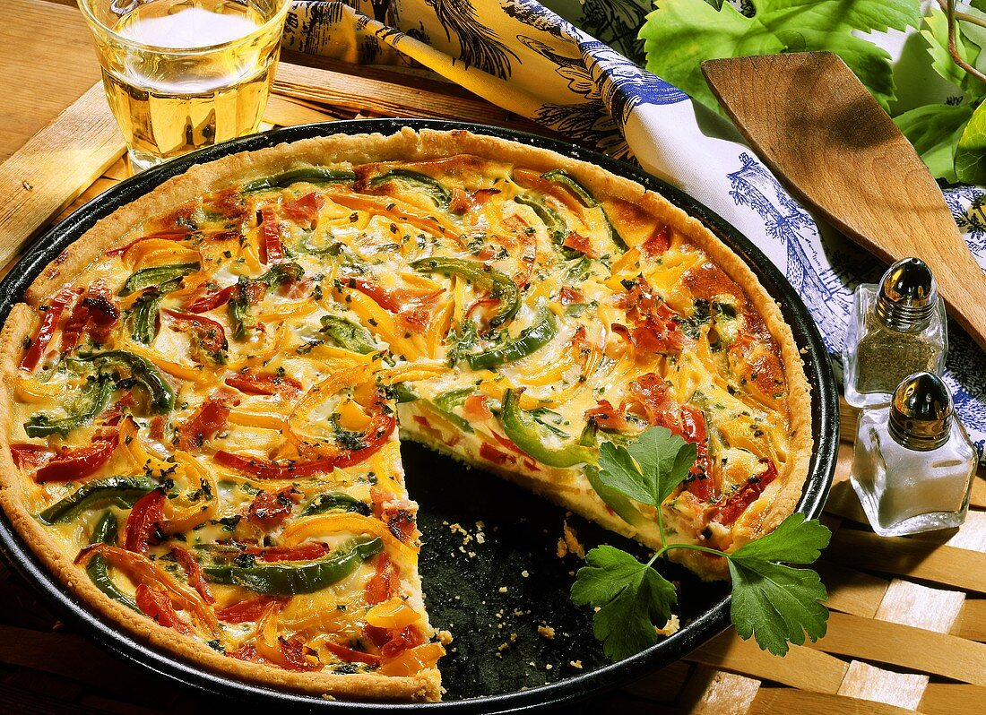 Pepper quiche with smoked ham