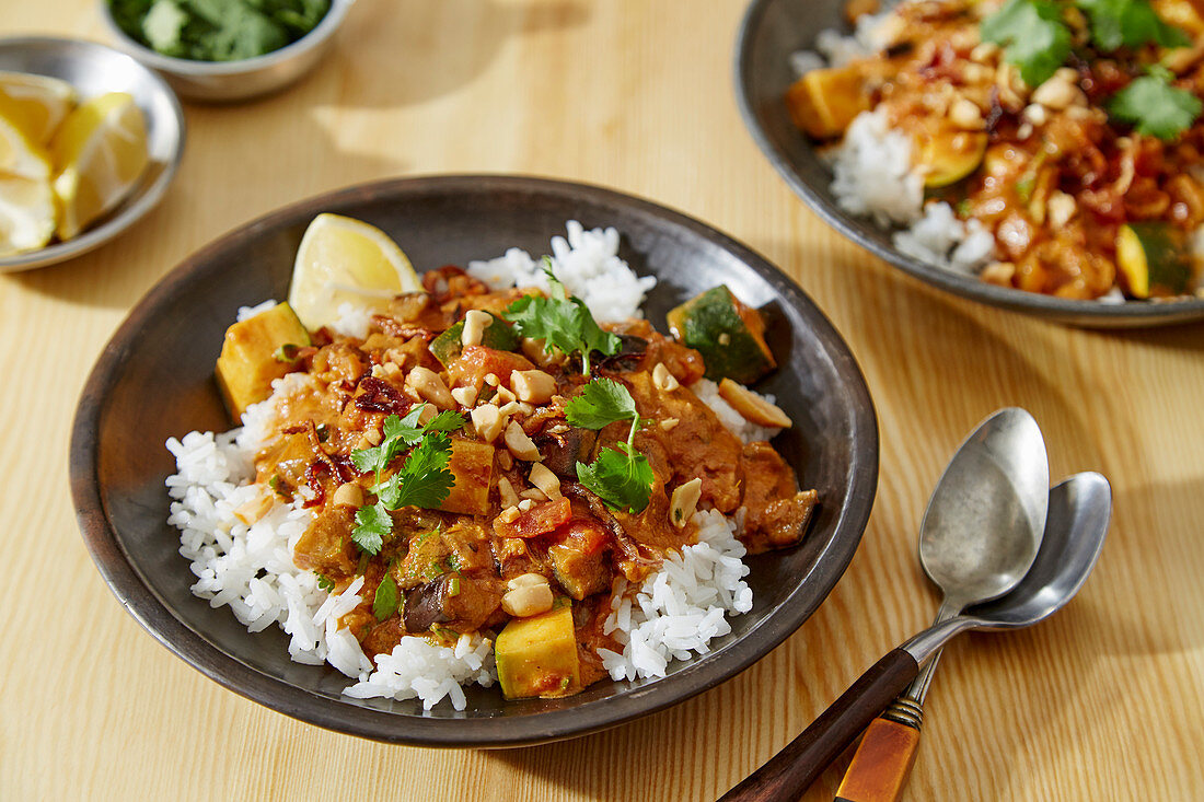 Spicy Peanut Stew With Ginger and Tomato