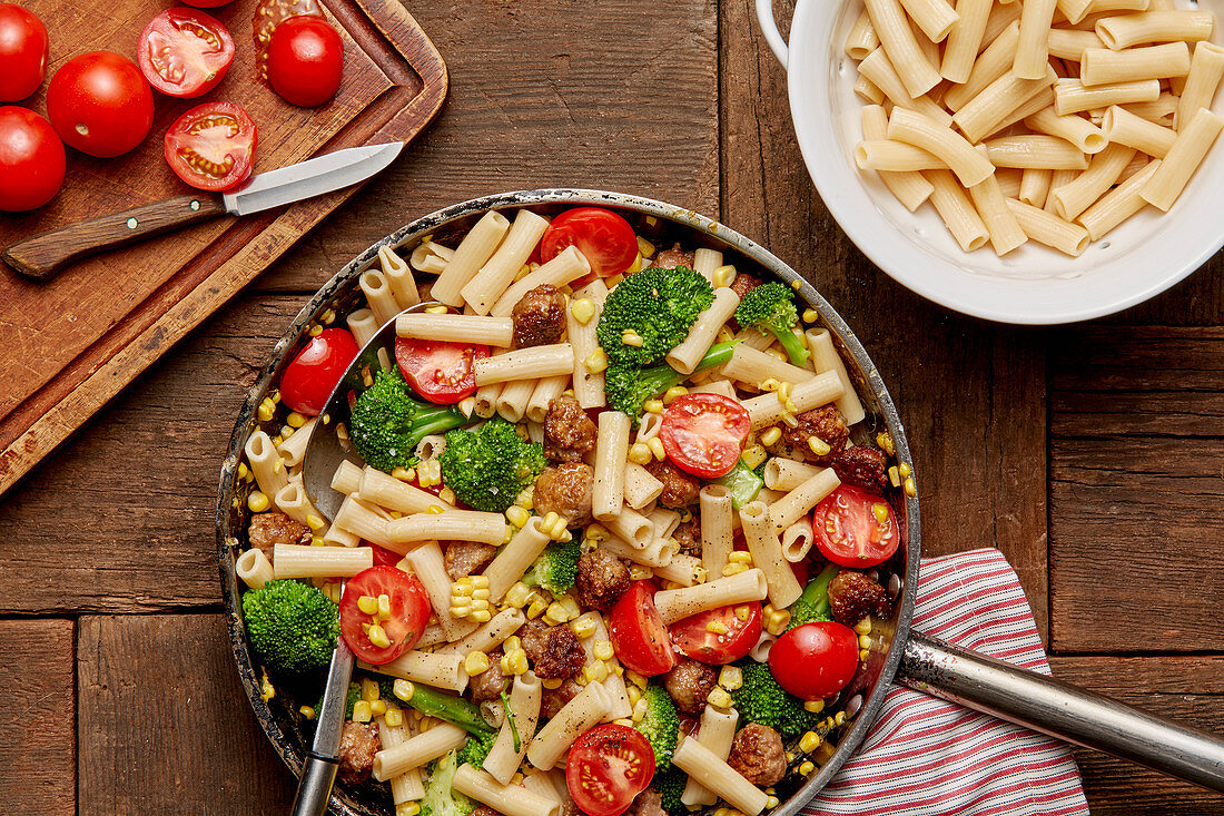Ziti With Sausage, Sweet Corn, Broccoli and Tomatoes