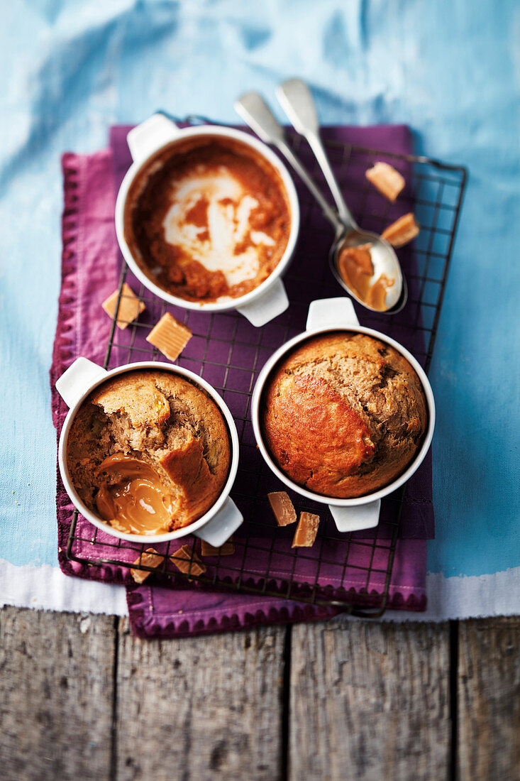 Secret toffee and banana pudding (England)