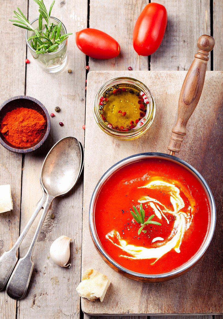 Tomato, red bell pepper soup with rosemary and smoked paprika