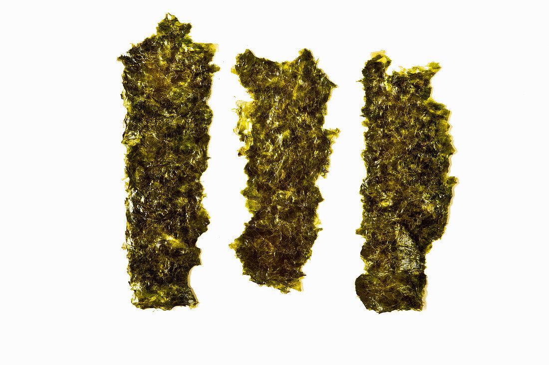 Dried nori leaves