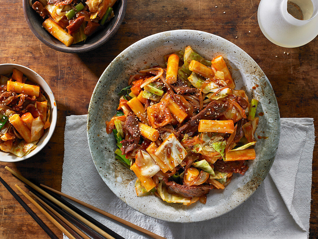 Korean Rice Cakes (Tteok) with Red Chile Sauce