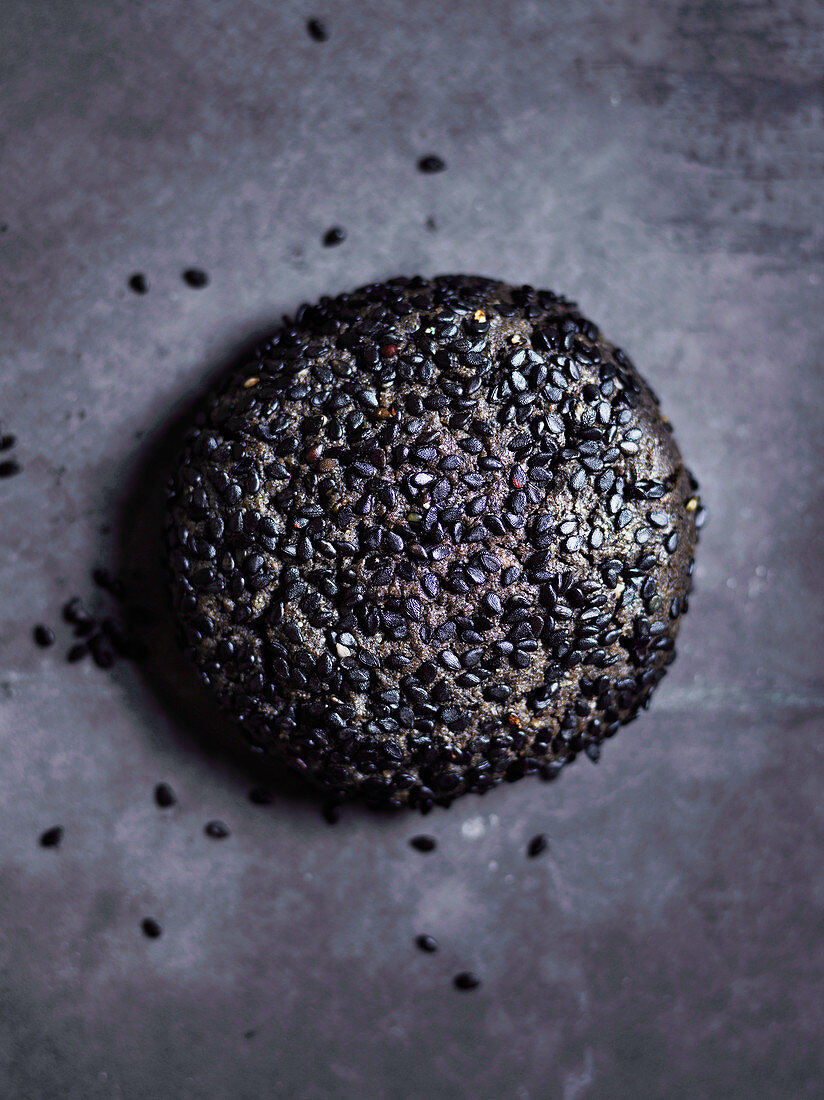 Black sesame, brown butter and wattleseed cookie