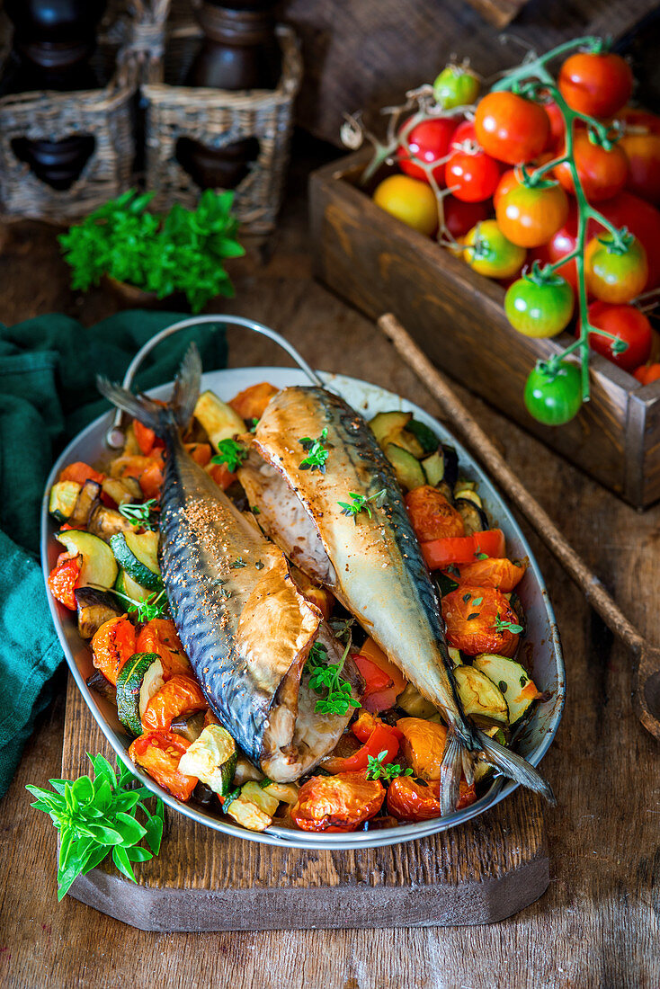 Roasted mackerel with vegetables