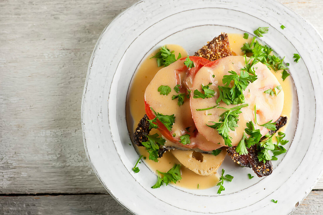 Welsh Rarebit with bacon and tomatoes