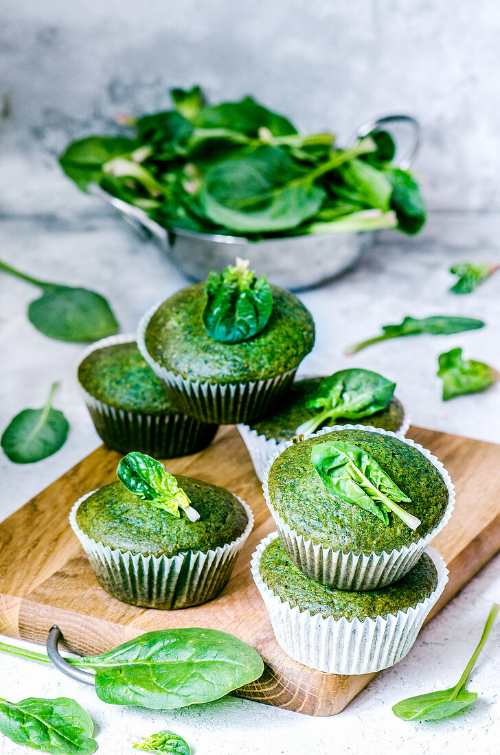 Muffins with spinach