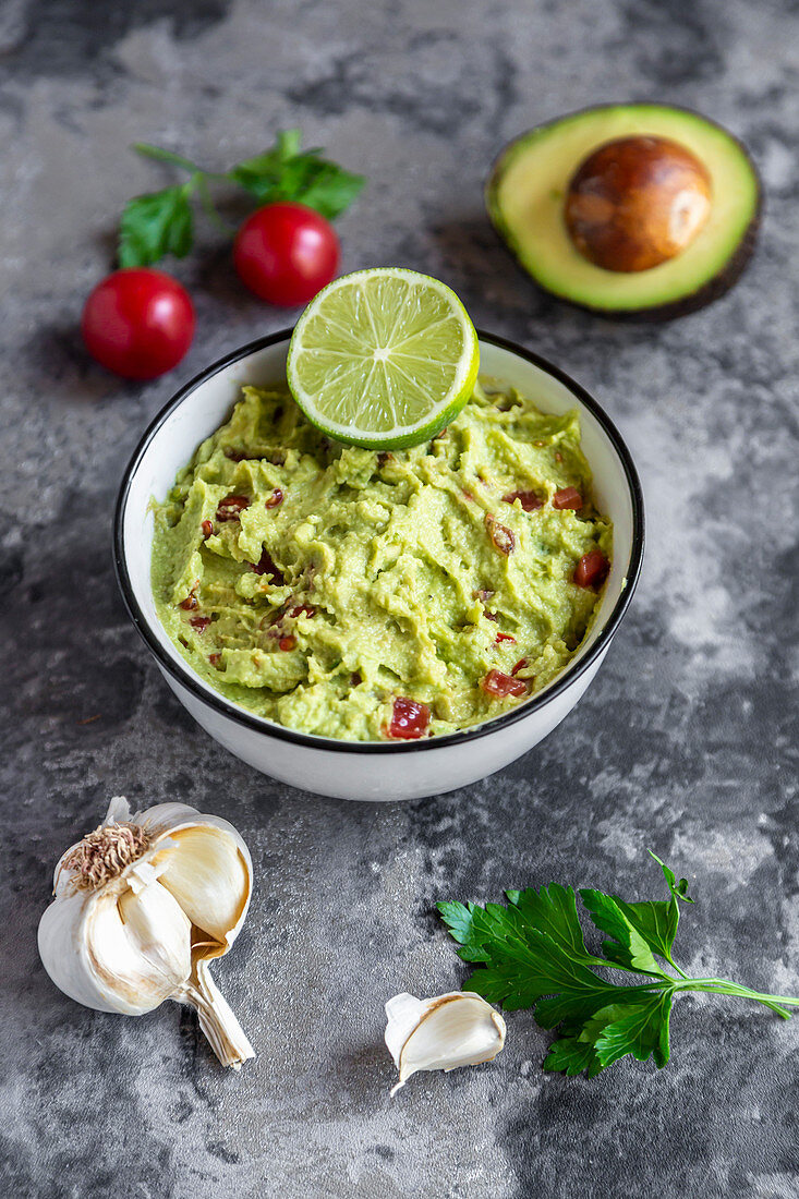 Guacamole (avocado purée with tomatoes, garlic, lime, chilli and coriander)