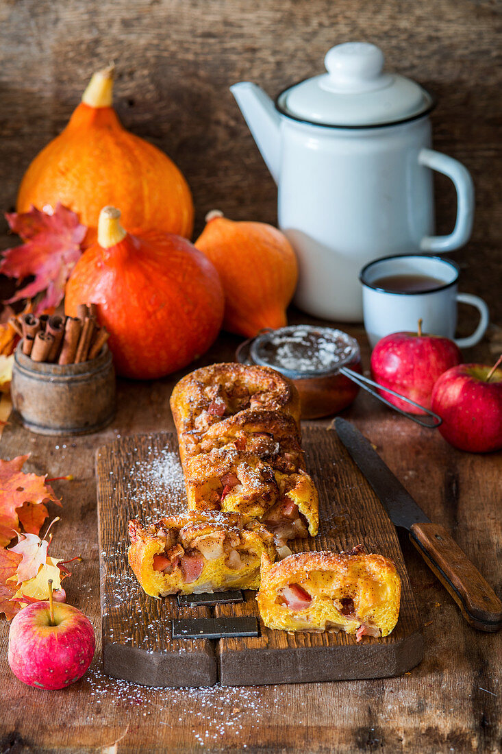 Sweet yeast bread with apple and pumpkin