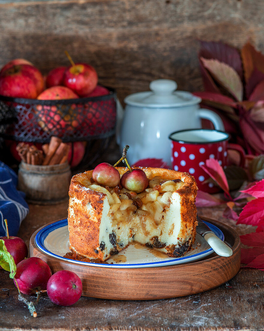 Cottage cheese and apple cake with raisin