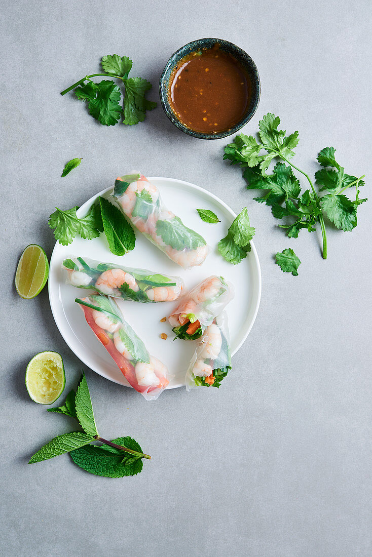 Vietnamese summer rolls with shrimps, vegetables and herbs