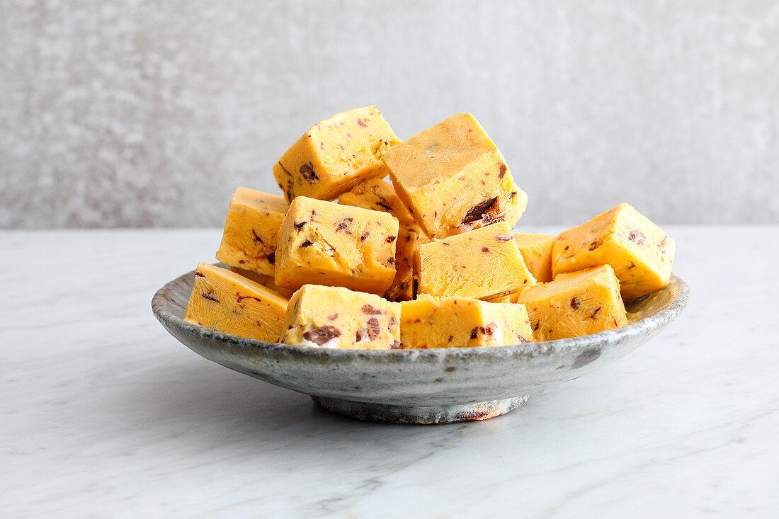 Frozen Mango-Joghurt-Drops (Low Carb)