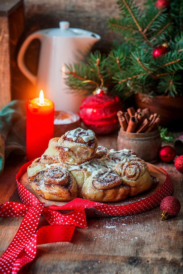 Cinnamon buns in Christmas setting