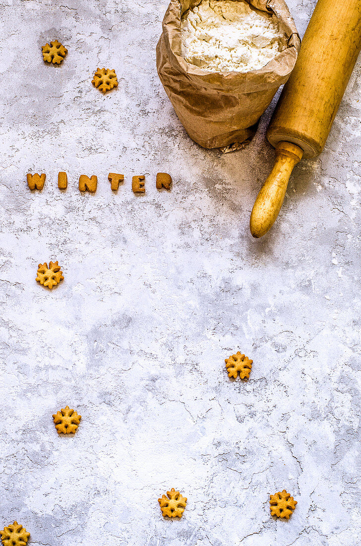 Cookies in the form of snowflakes and letters