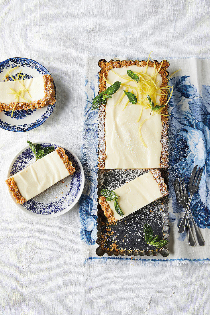 Lemony fridge cheesecake slices