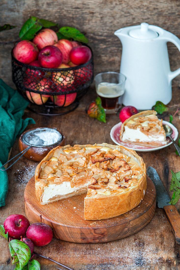 Quark pie with apple