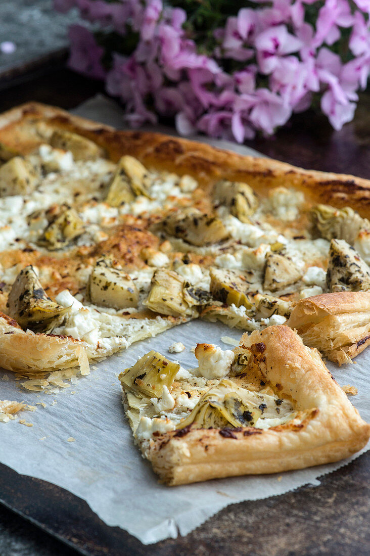 Puff pastry tart with artichokes and feta cheese