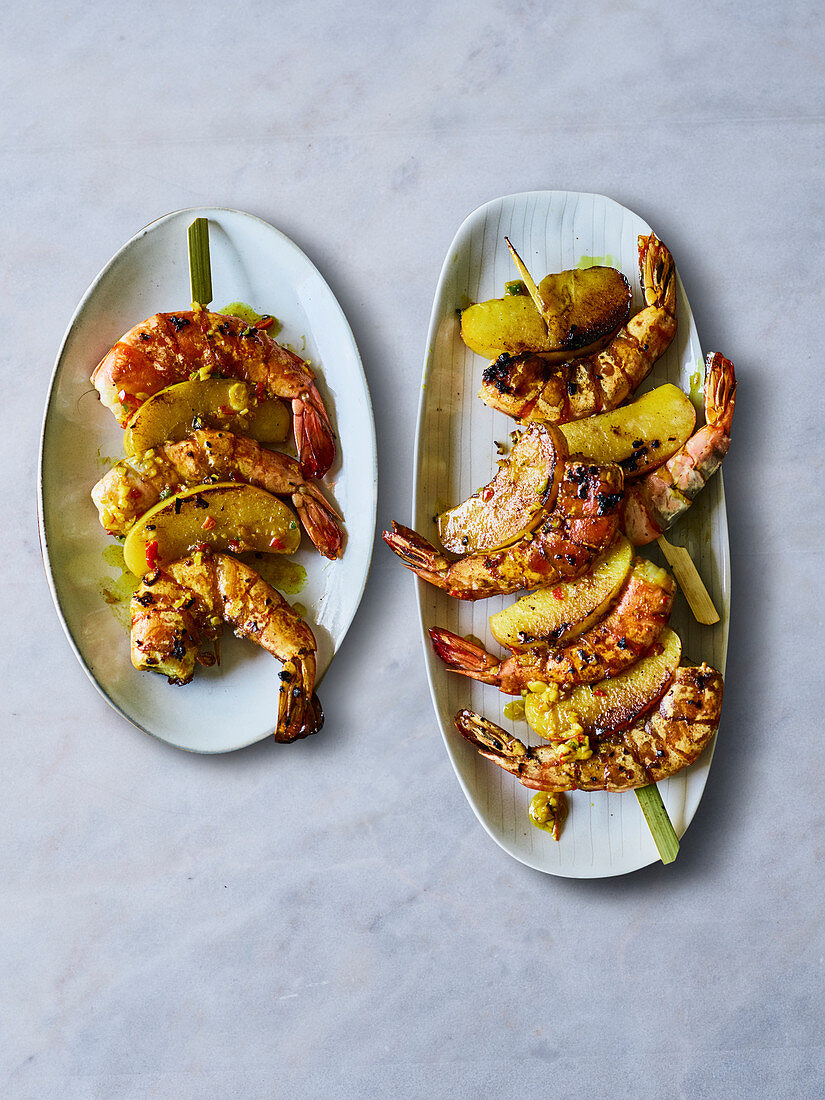 Chilli prawn skewers with apple wedges