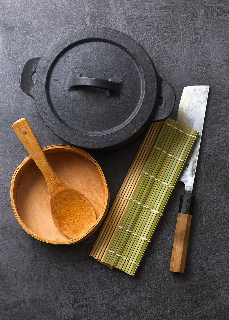 Kitchen utensils for the preparation of sushi