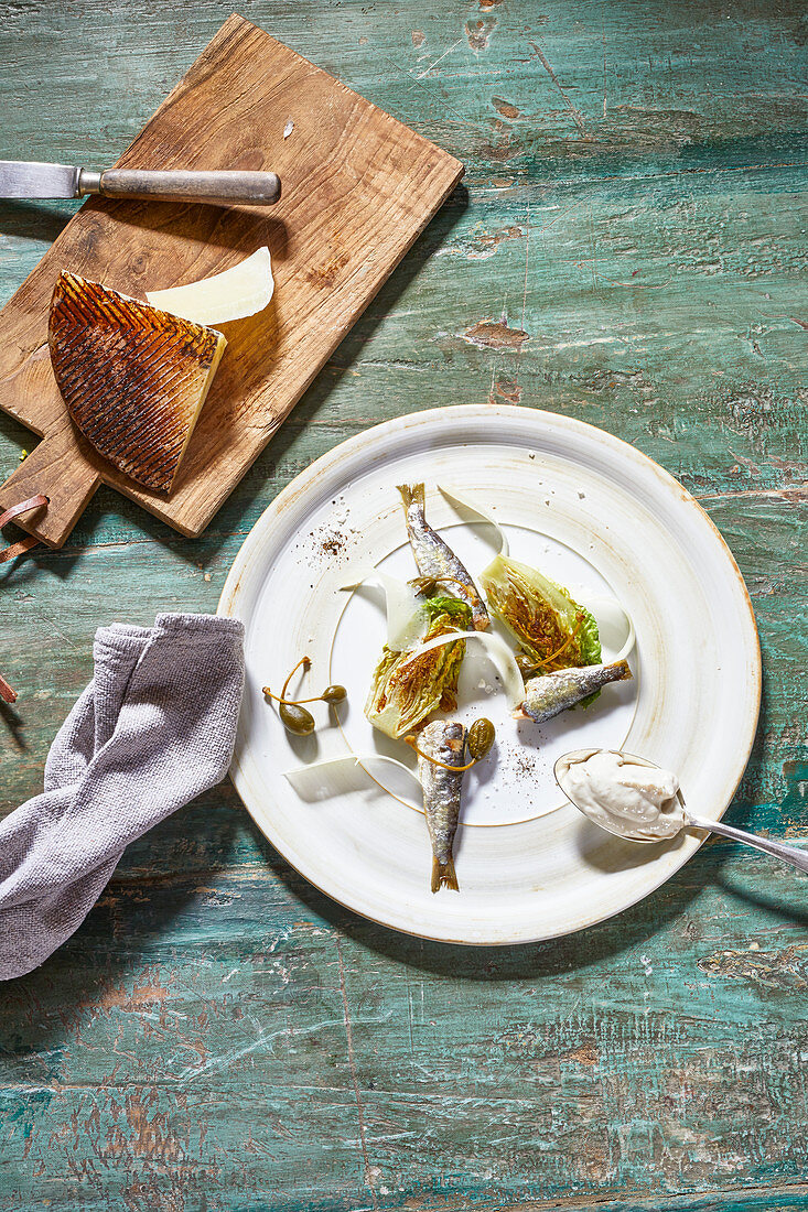 Grilled lettuce hearts with sardines and umami mayo