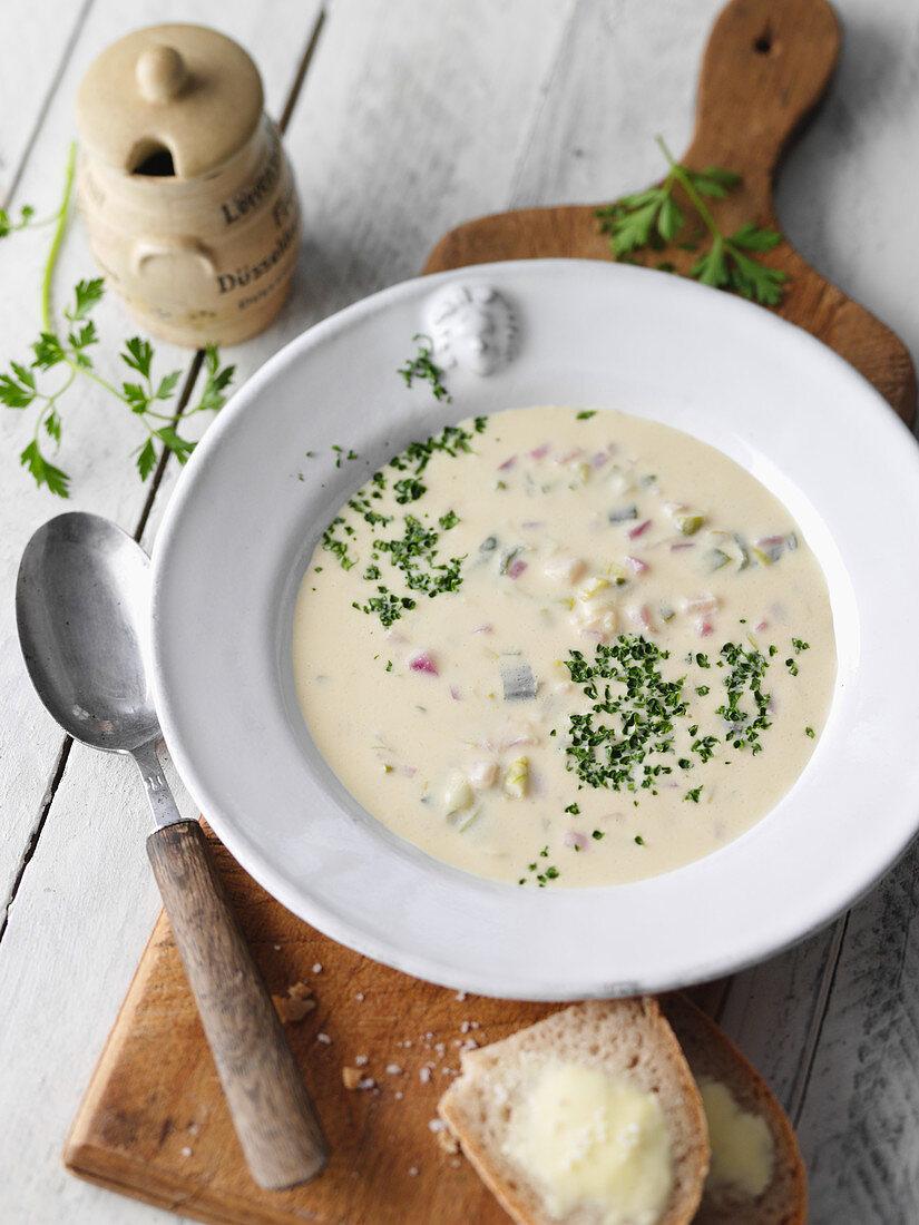 Düsseldorf mustard soup with Altbier (Germany)