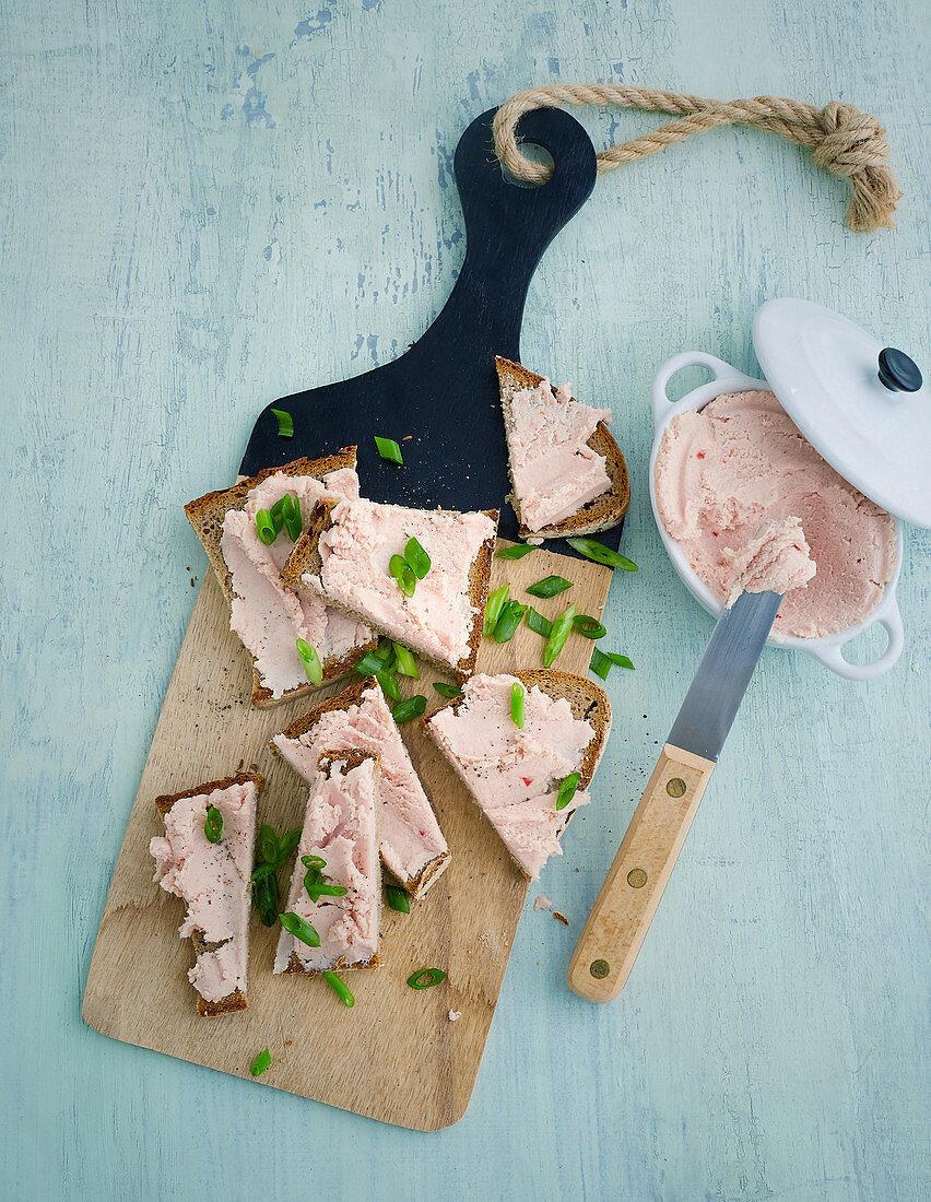 Ham and chili spread