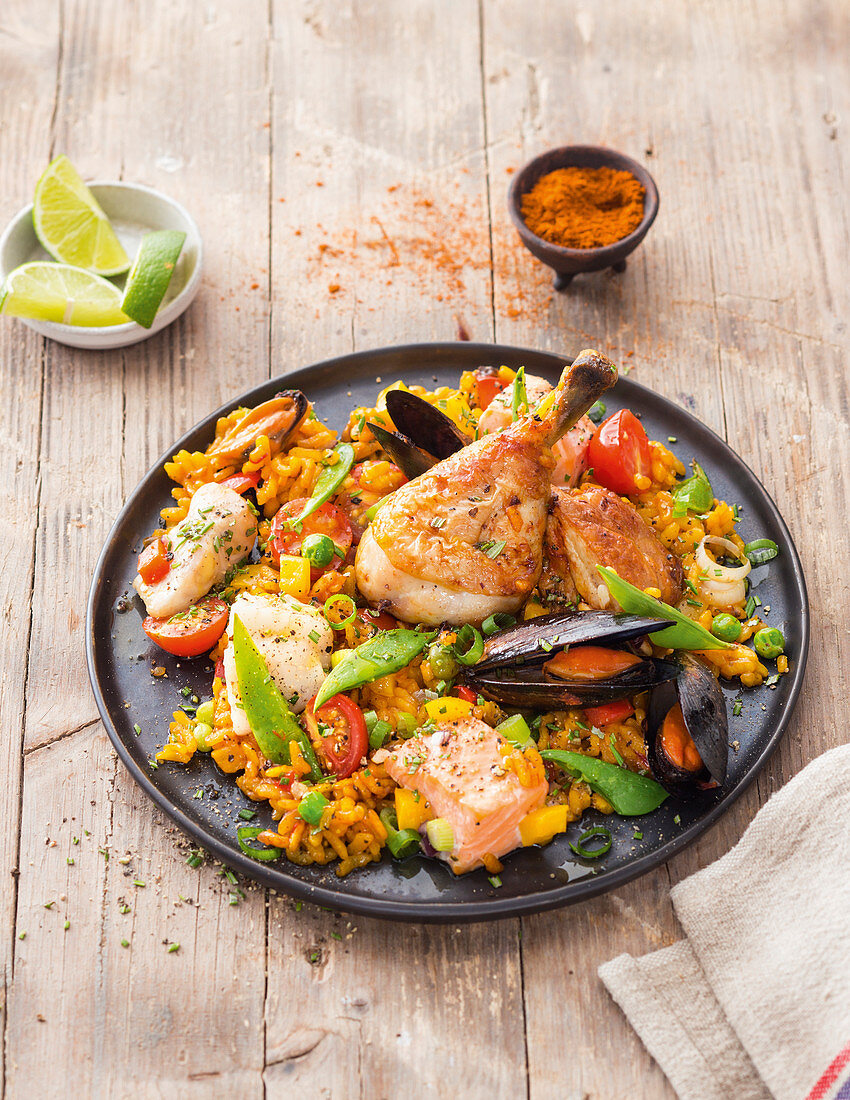 Spanish paella with chicken and seafood