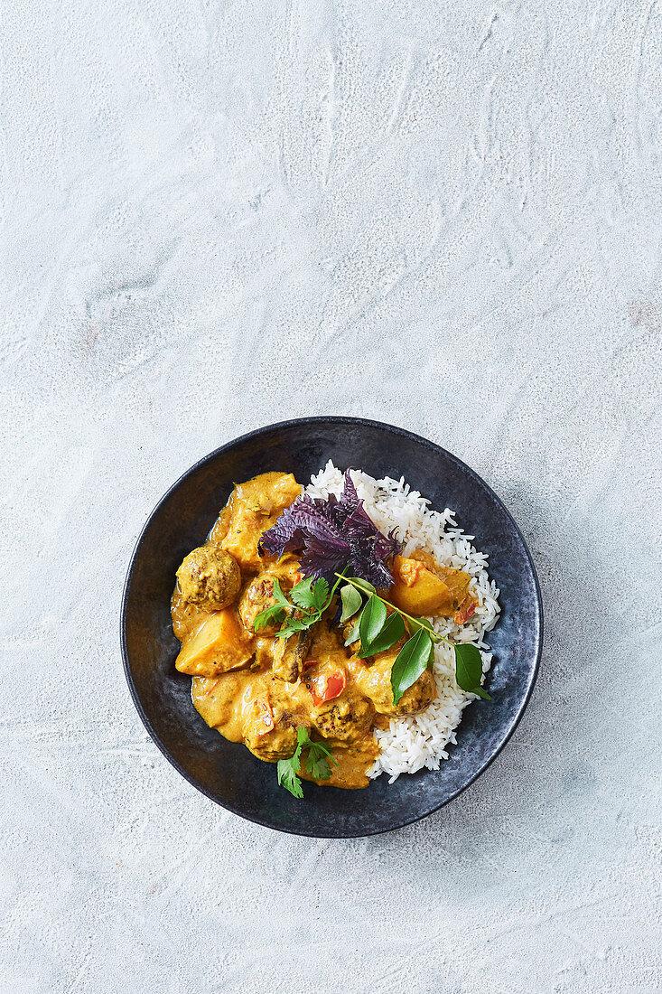 Sri lankan lamb meatball curry