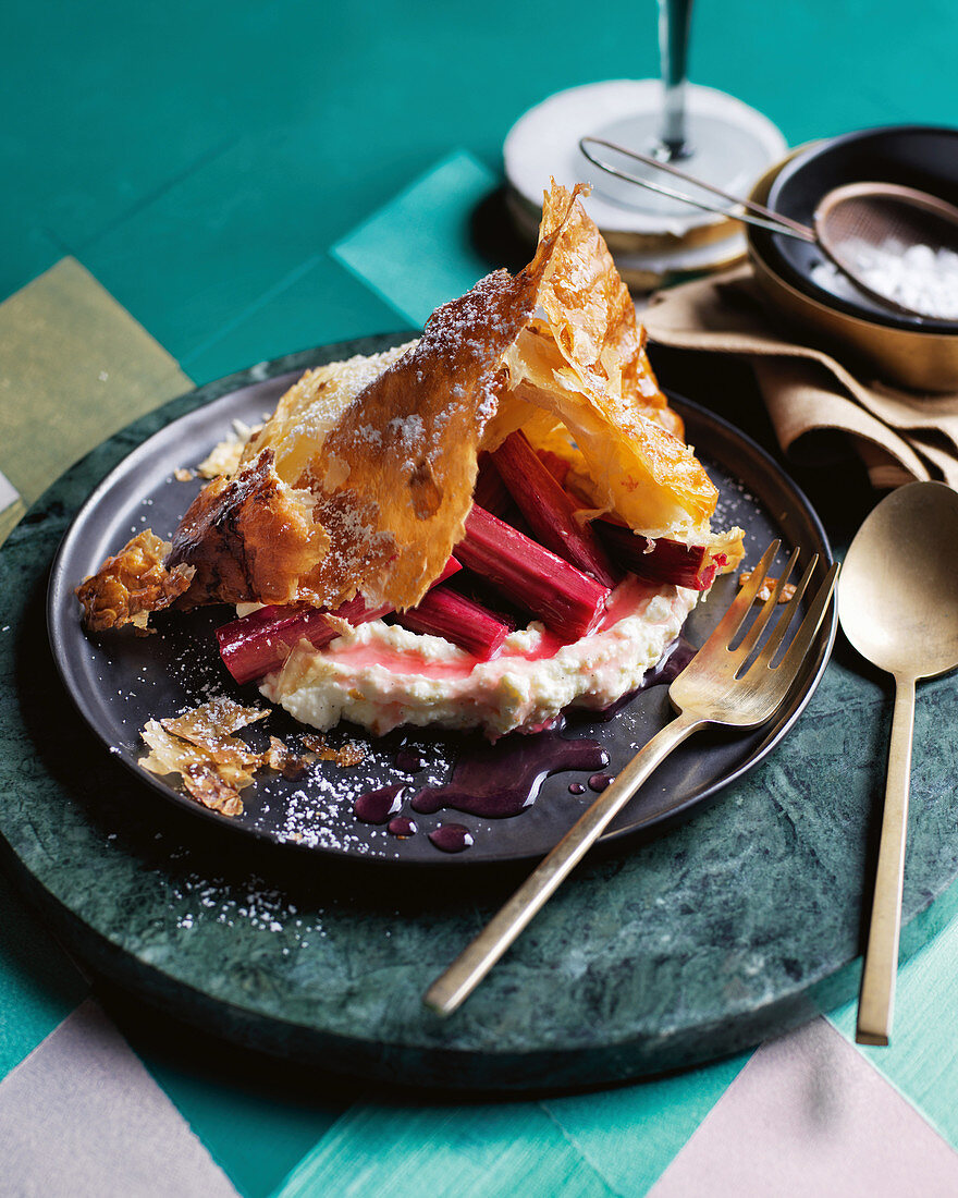 'Topfengolatsche' with cream cheese and rhubarb