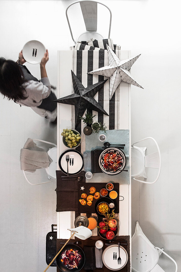 Black and white set Christmas table with large stars