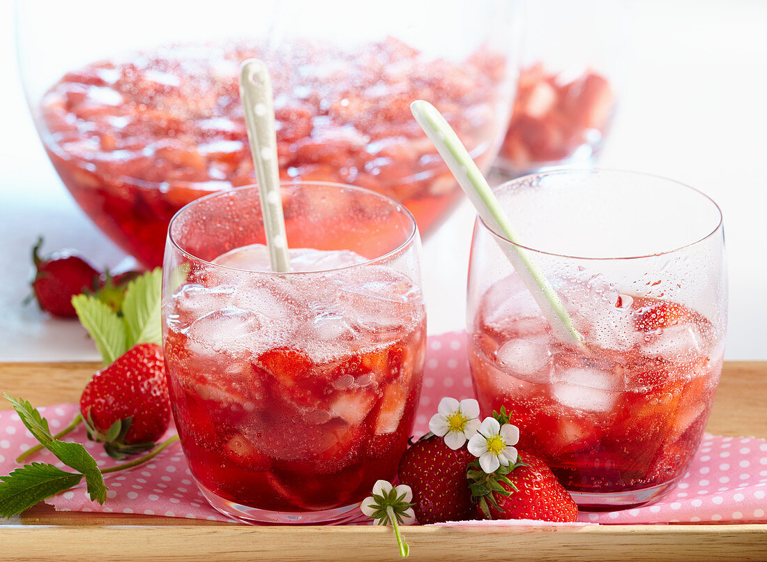 Non-alcoholic strawberry punch
