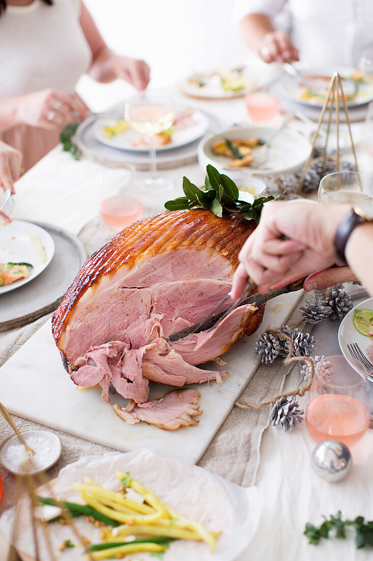 Cutting Basic Glazed Ham