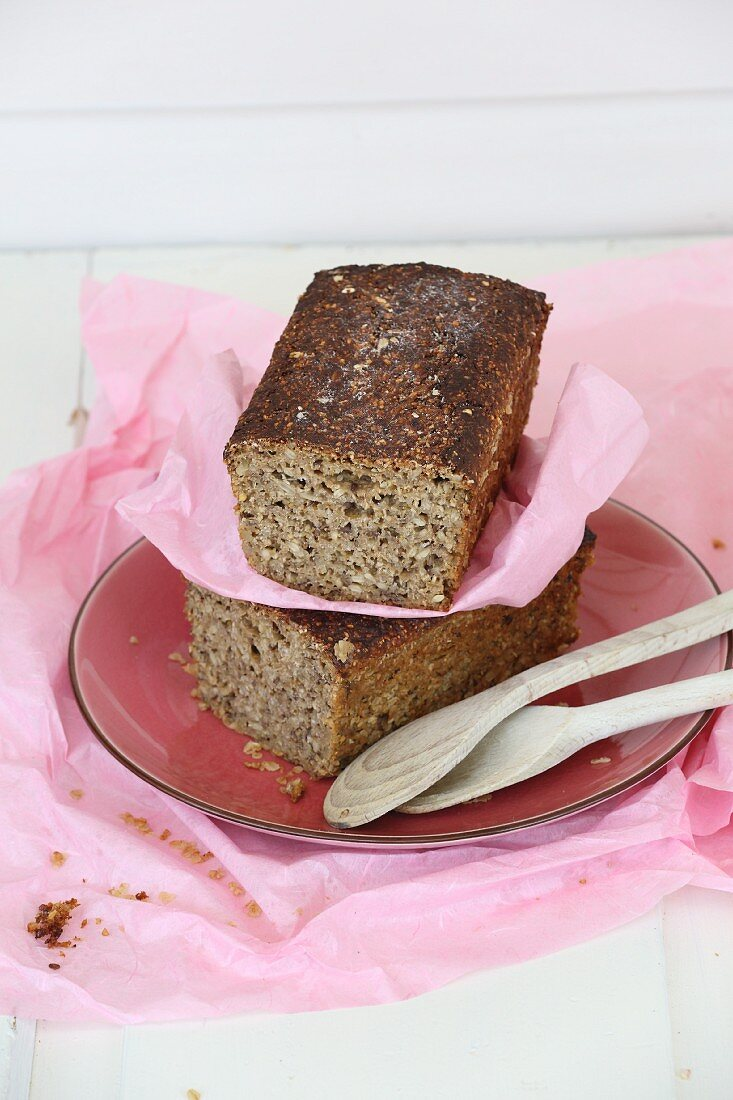 Simple wholegrain bread with sprouts and seeds