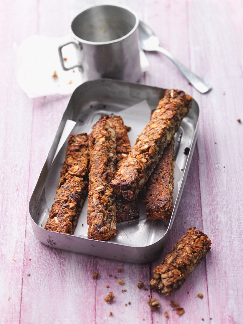 Nut bars with chia seeds and dates