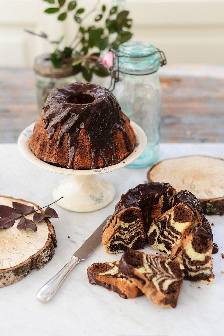 Marble gugelhupf with a chocolate glaze