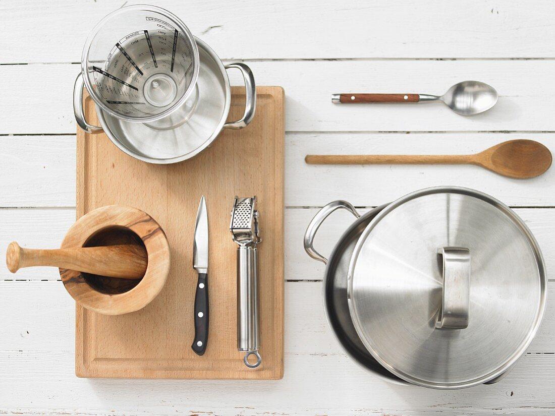 Küchenutensilien für Reiszubereitung