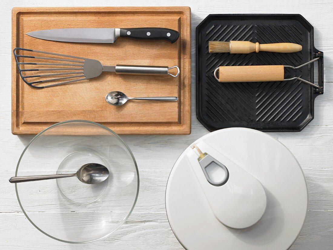 Kitchen utensils for preparing burgers