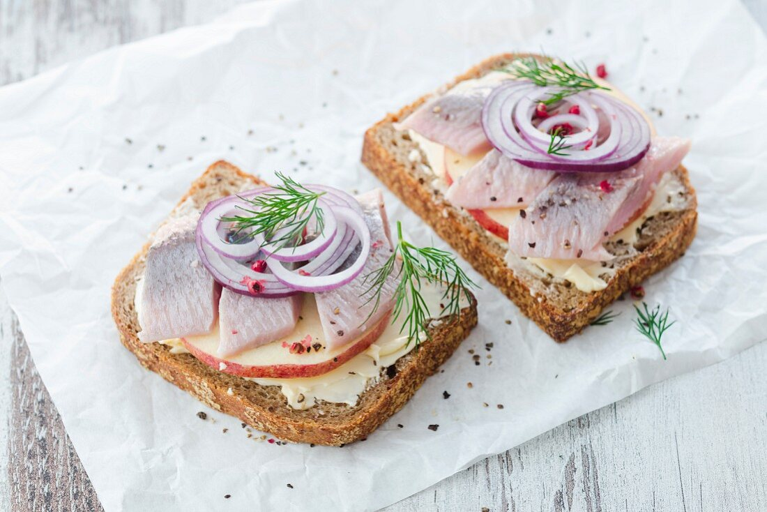 Stuffed bread with herring, apple and onions