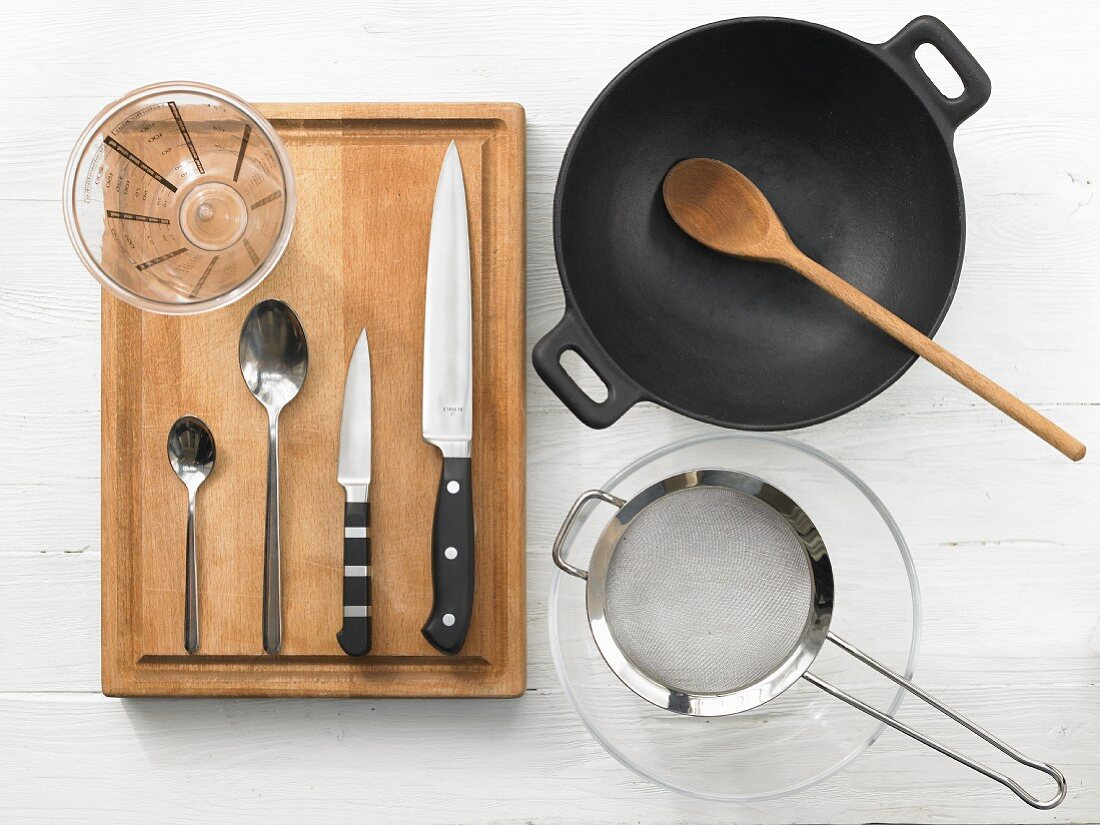 Kitchen utensils for making Chinese style chicken