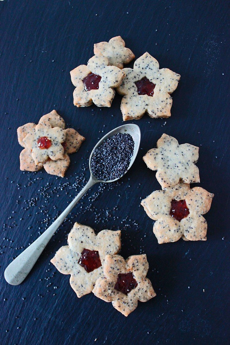 Poppy biscuits with jam