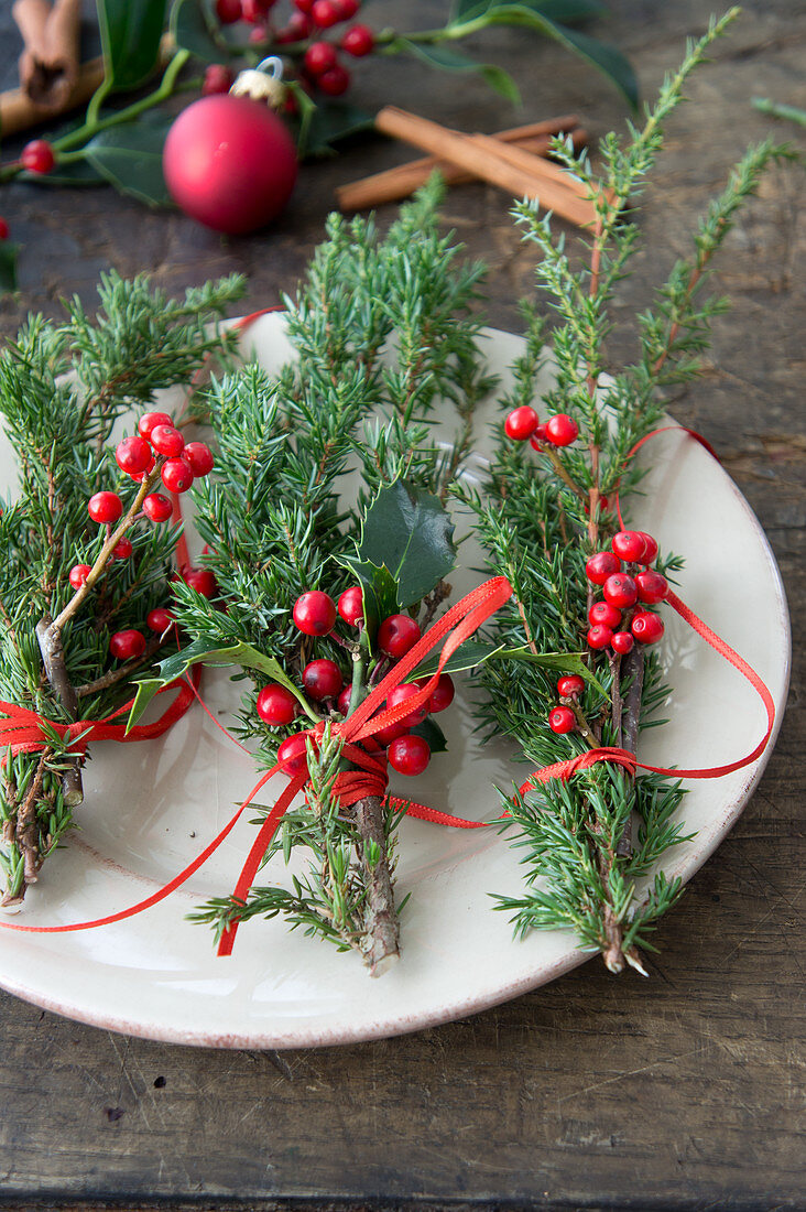 Christmas posies for guests or for decorating the dining table