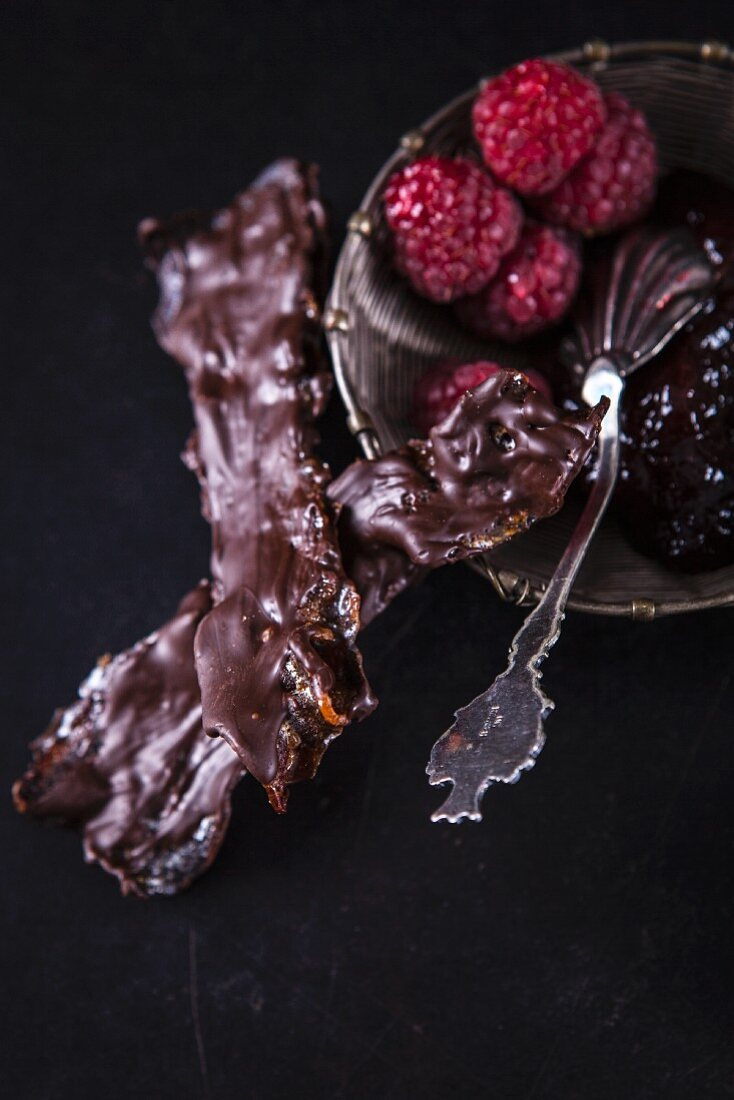 Chocolate biscuits and raspberries