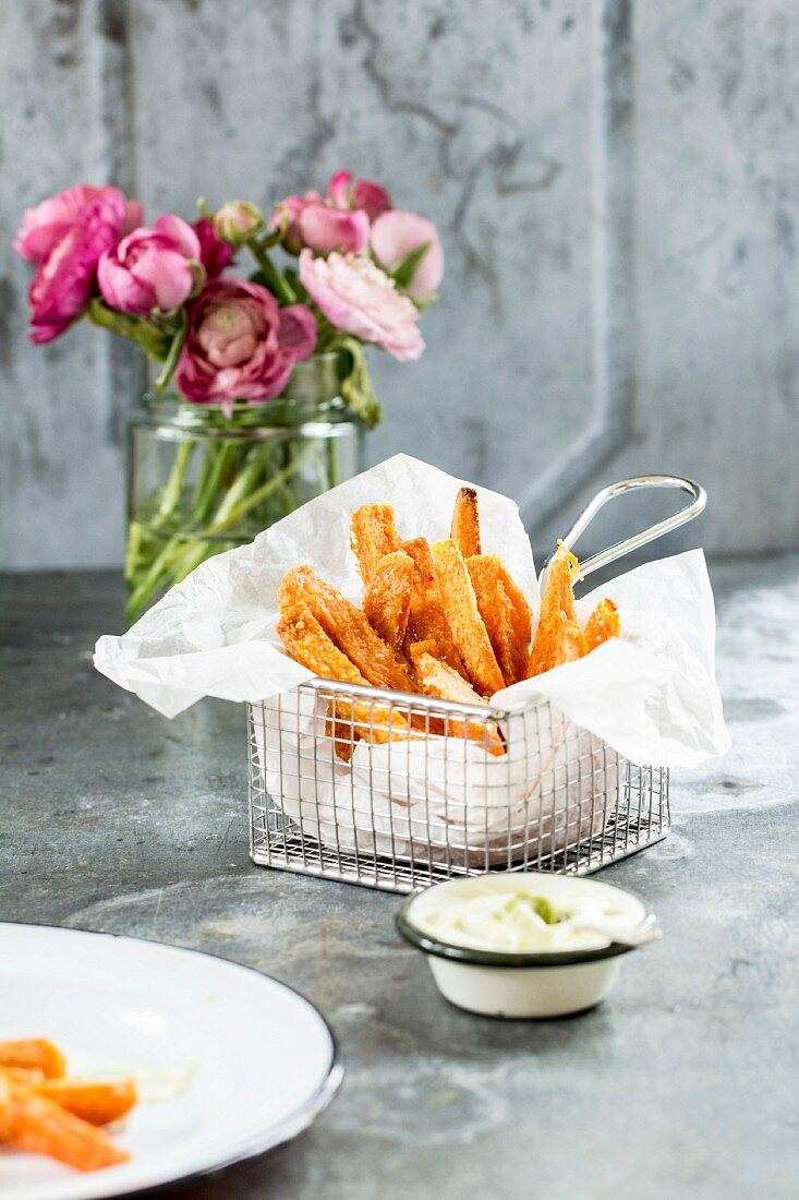 Sweet potato fries with wasabi mayonnaise (Easter)