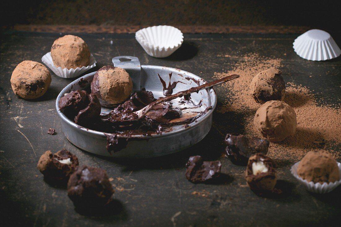 Chocolate mixture for making chocolate truffles and homemade chocolate truffles